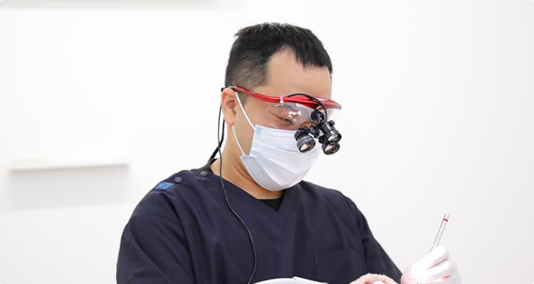 全ての治療において 拡大鏡(ルーペ)を使用した治療